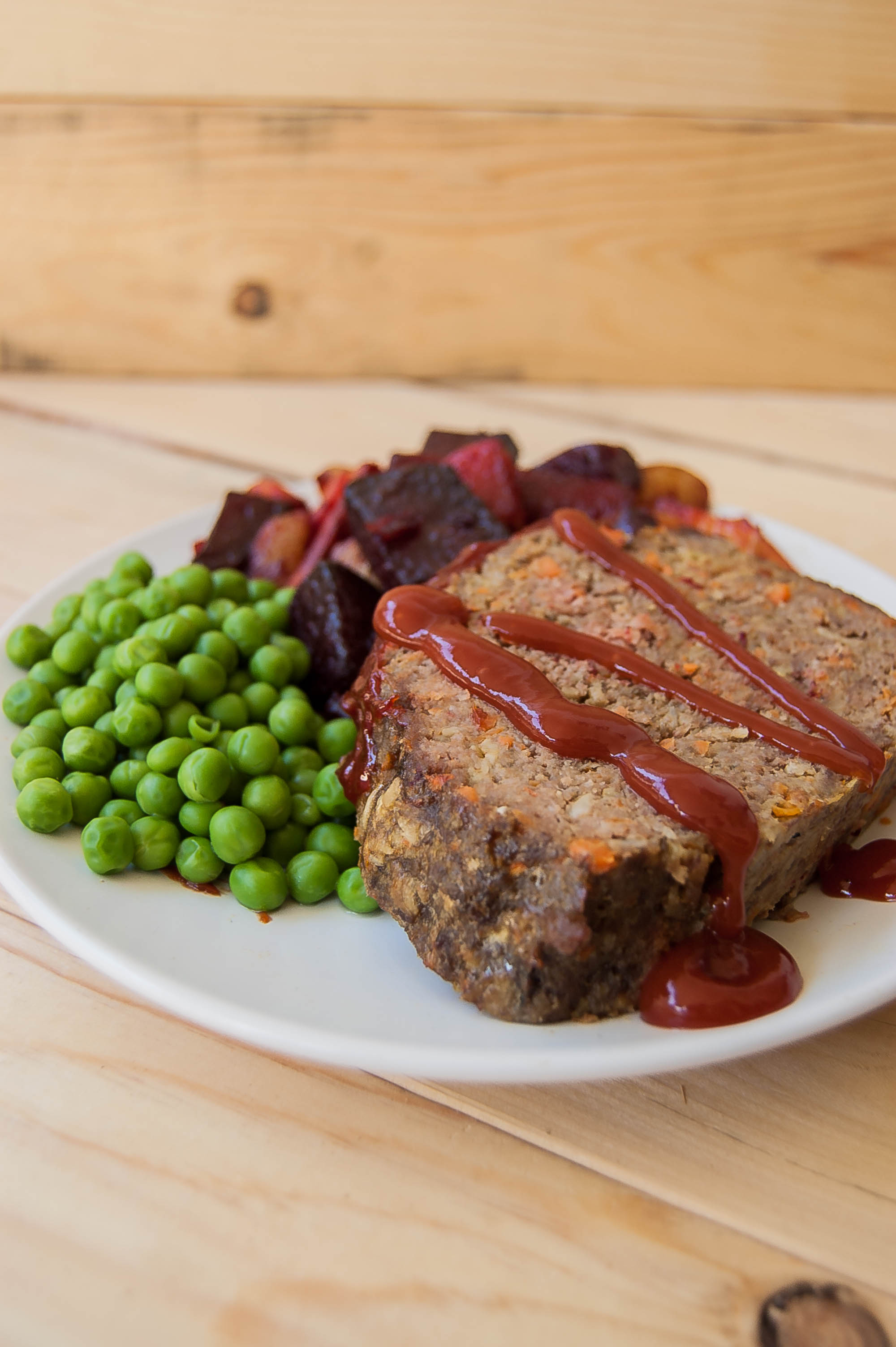 Meatloaf with Roasted Potatoes and Green Peas $13